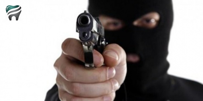 TERROR E MEDO EM CARIACICA, ES — Nove pessoas são feitas de reféns em clínica odontológica